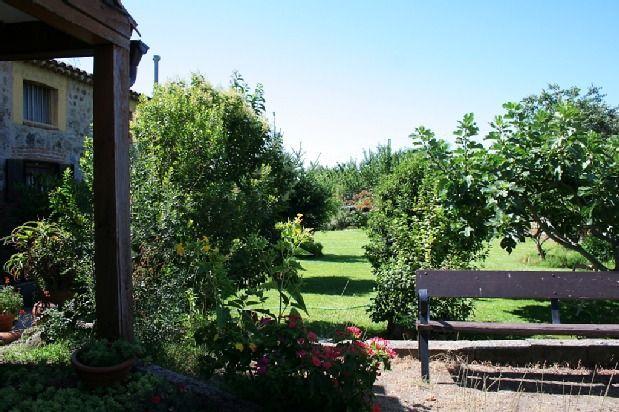 Vivienda con jardín en Candeleda