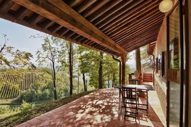 Relax in wonderful Riosto Vineyards