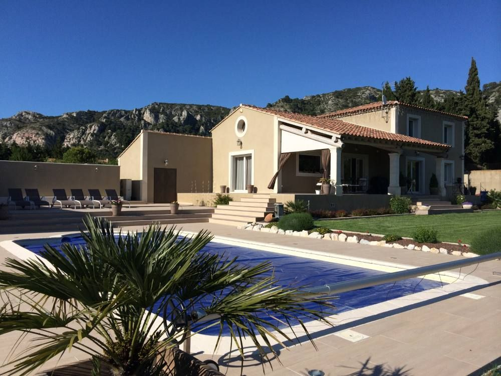 Nueva villa con piscina, en el corazón del Luberon,
