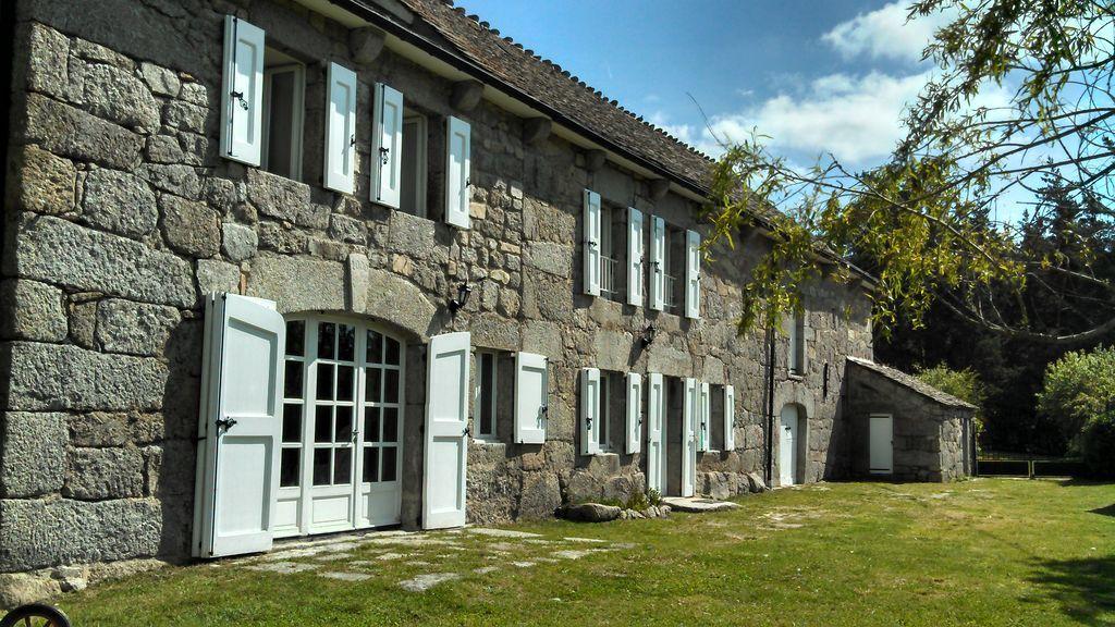 Residencia para 10 huéspedes de 5 habitaciones