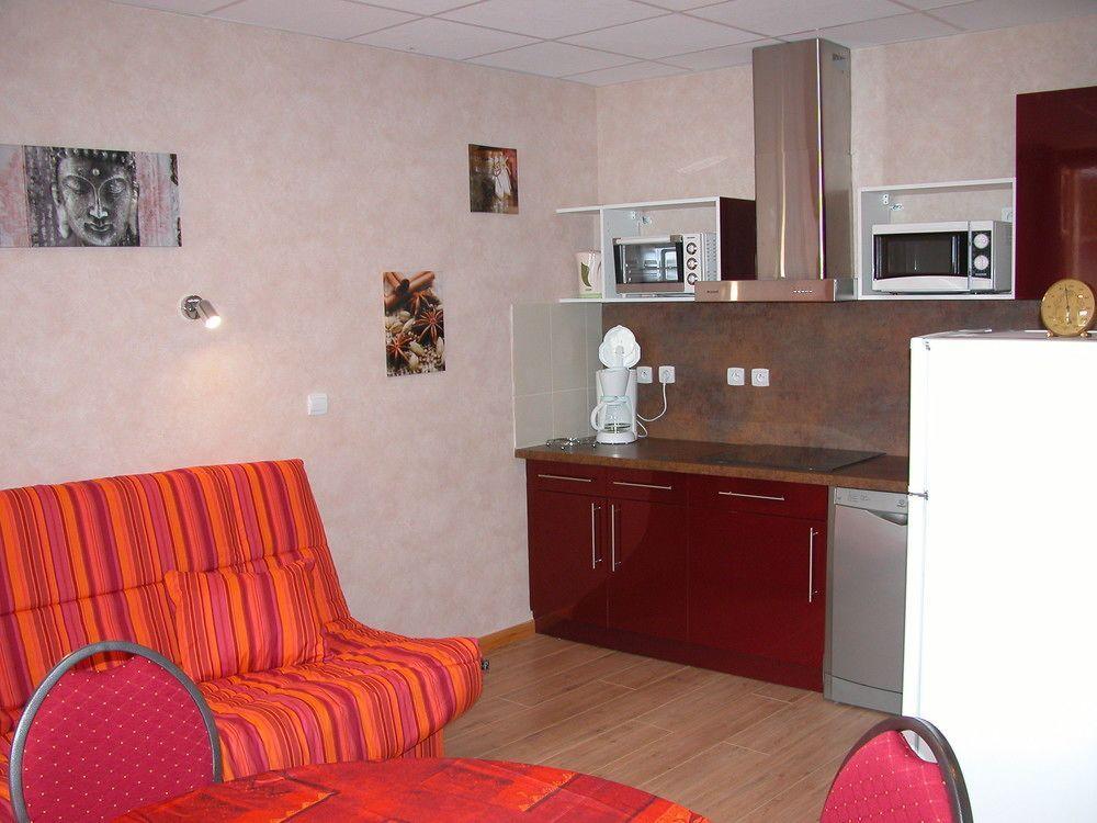 Hébergement à Neris-les-bains avec 2 chambres