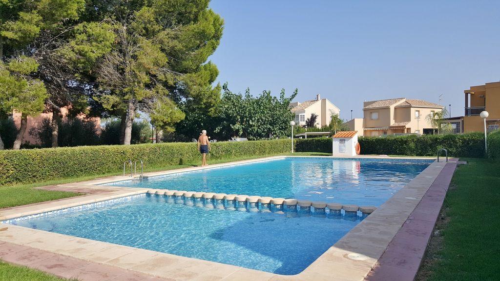 Apartamento con piscina para 3 huéspedes