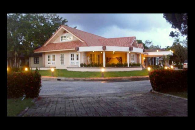Executive Villa @ Mae Phim Beach