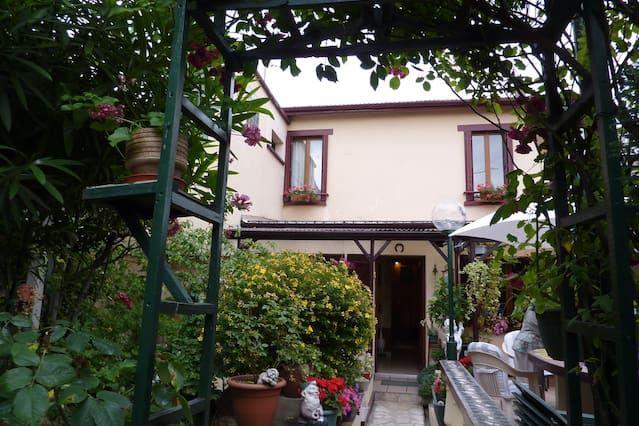 Casas de Familia à Aubervilliers, en casa de Marie & Alex