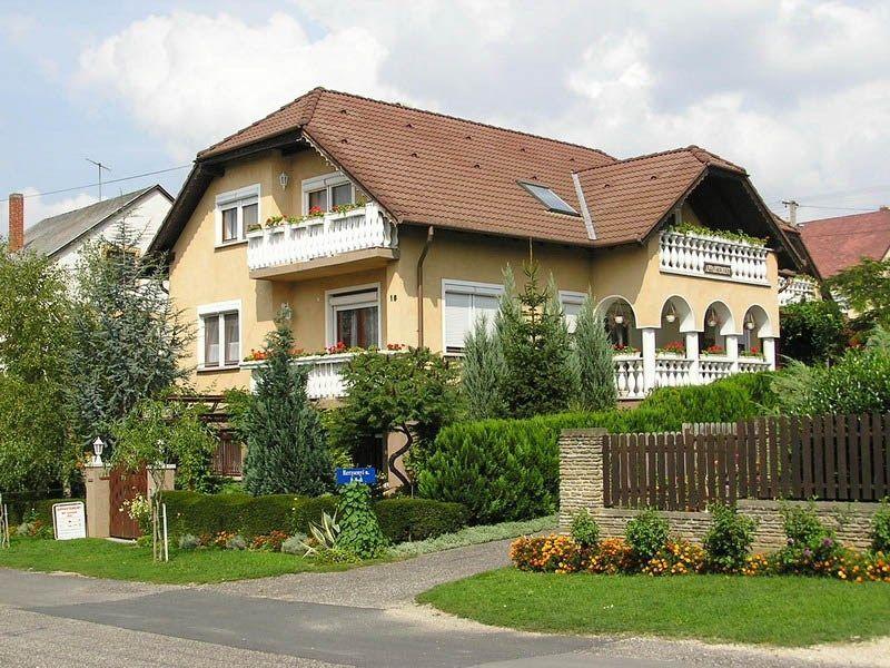 Apartamento vacacional con balcón