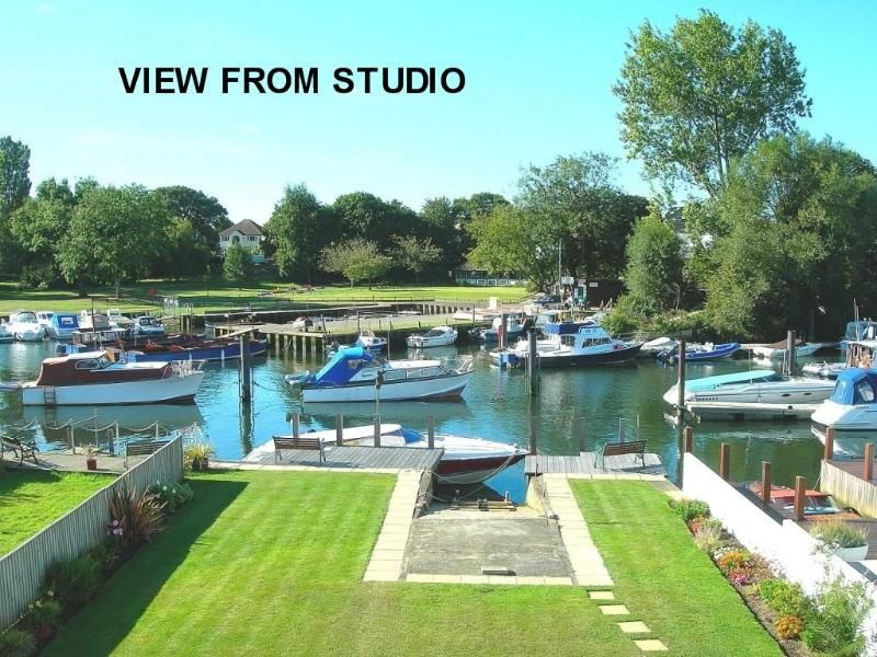 CHRISTCHURCH RIVERSIDE STUDIO w/ Fishing Available