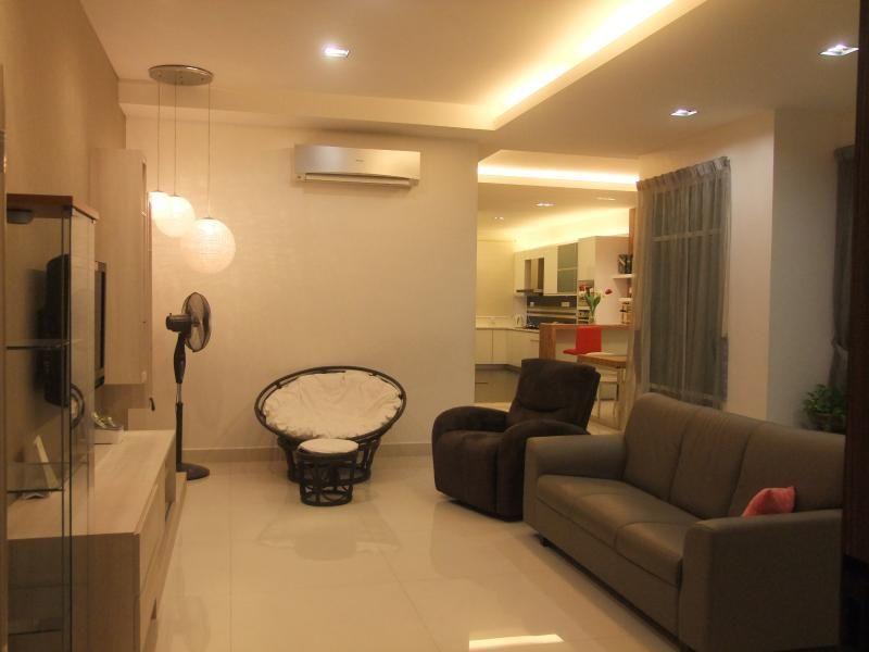 Penang Holiday Vacation Home - 7 Bedrooms (16 pax)