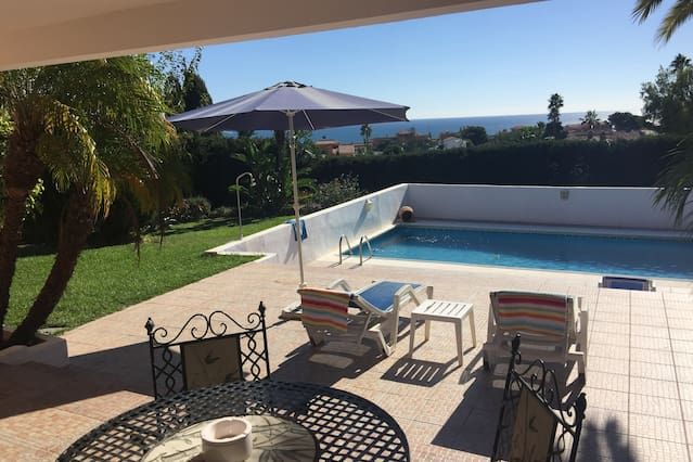 1/2/3 bed apts in gorgeous villa,overlooks the sea