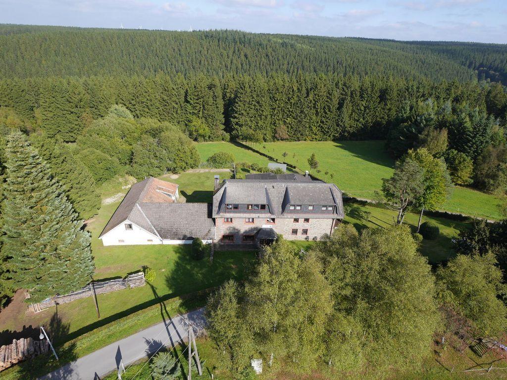 Hogareña residencia de 620 m²