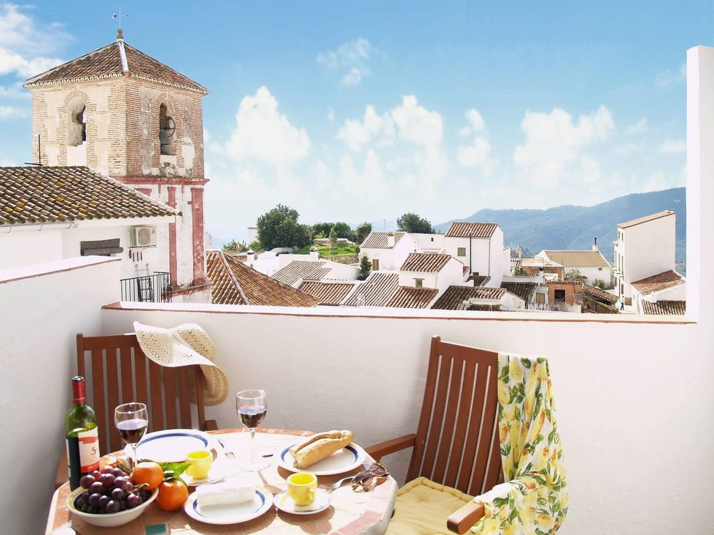 Idyllic holiday home in Costa del sol for 2