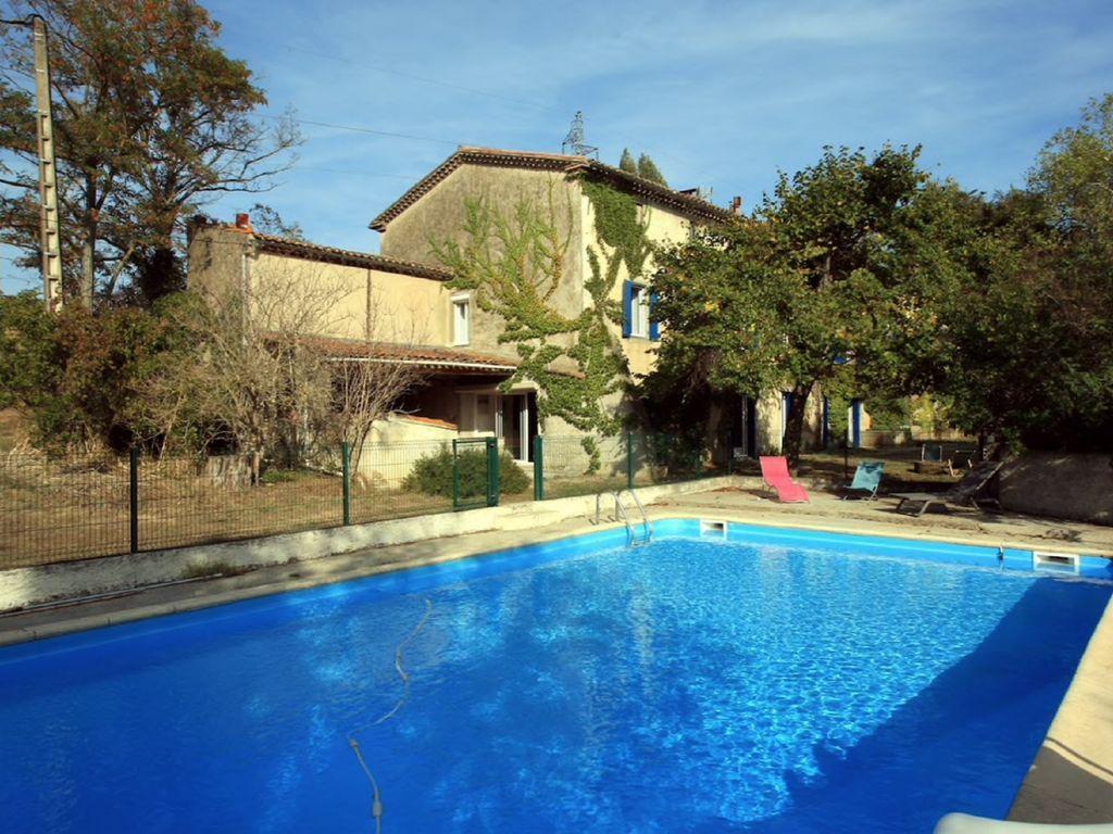 Alojamiento de 8 habitaciones en Aude