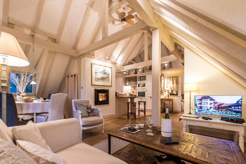 The White Stork - Outstanding luxury gite for 2