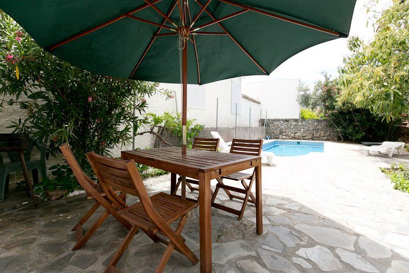 Charming villa with private pool, WiFi & garden,
