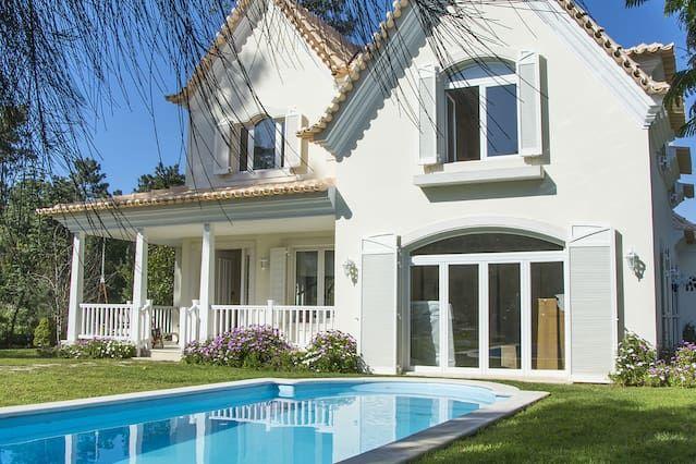 Alojamiento de 220 m² en Charneca