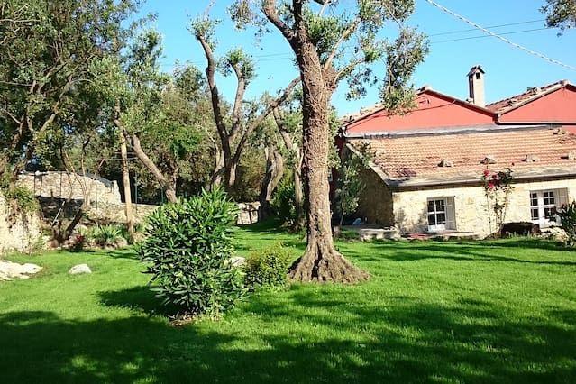 CASE DI CAMPO house with garden