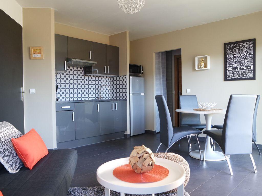 Apartment mit Garten und 1 Zimmer