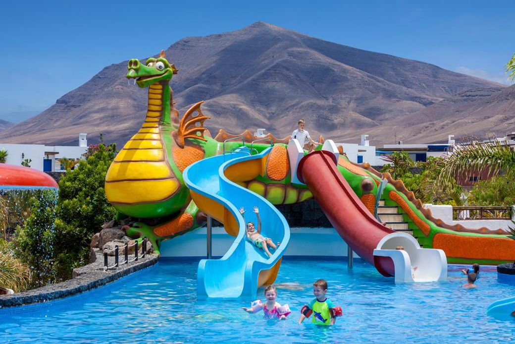 Piscina-dragón del Hotel Tagoro de Lanzarote