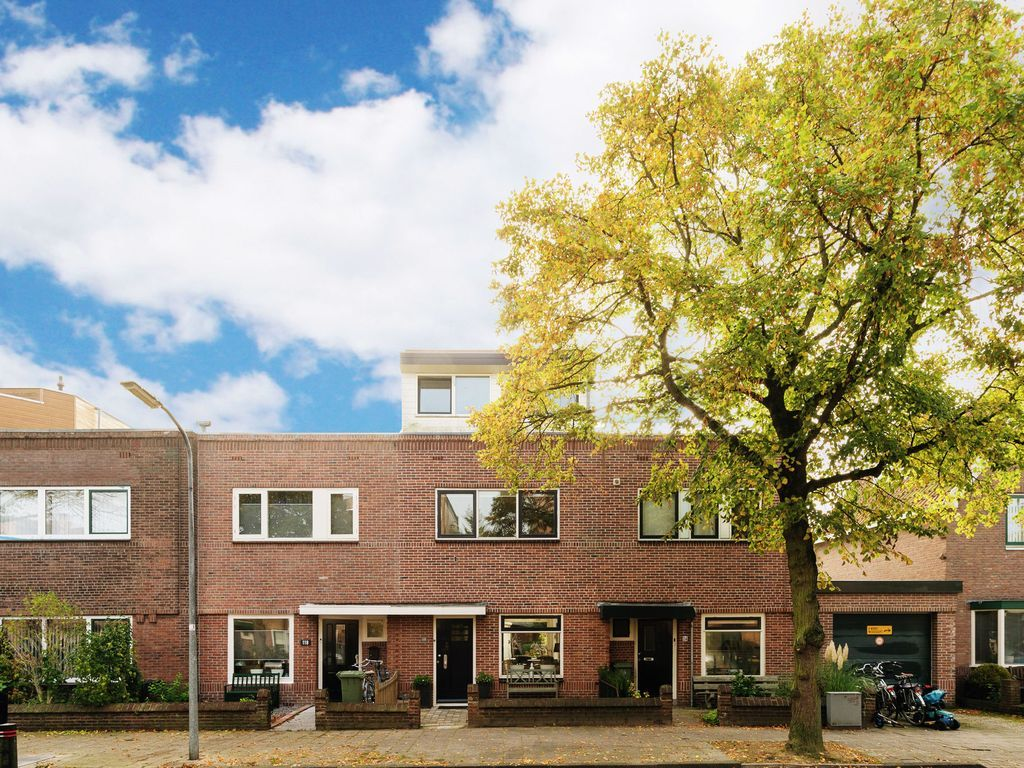 Casa con balcón en Haarlem