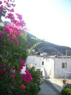 2 bedroom village cottage, shared pool, sleeps 6