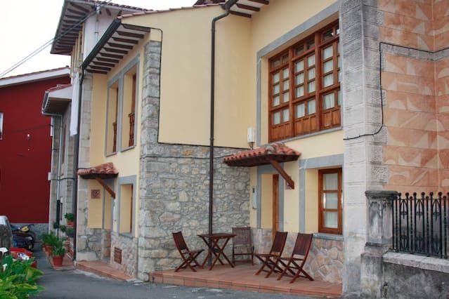 Casa con parking incluído de 14 habitaciones