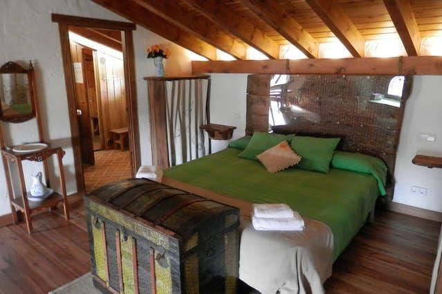 Alojamiento para 10 huéspedes de 4 habitaciones