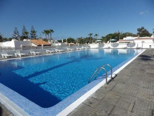 Alojamiento con vistas con piscina