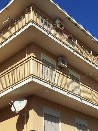 Piso con balcón