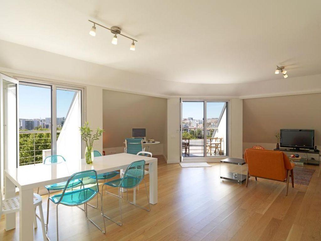 Hervorragende 2 Schlafzimmer Wohnung in Lissabon