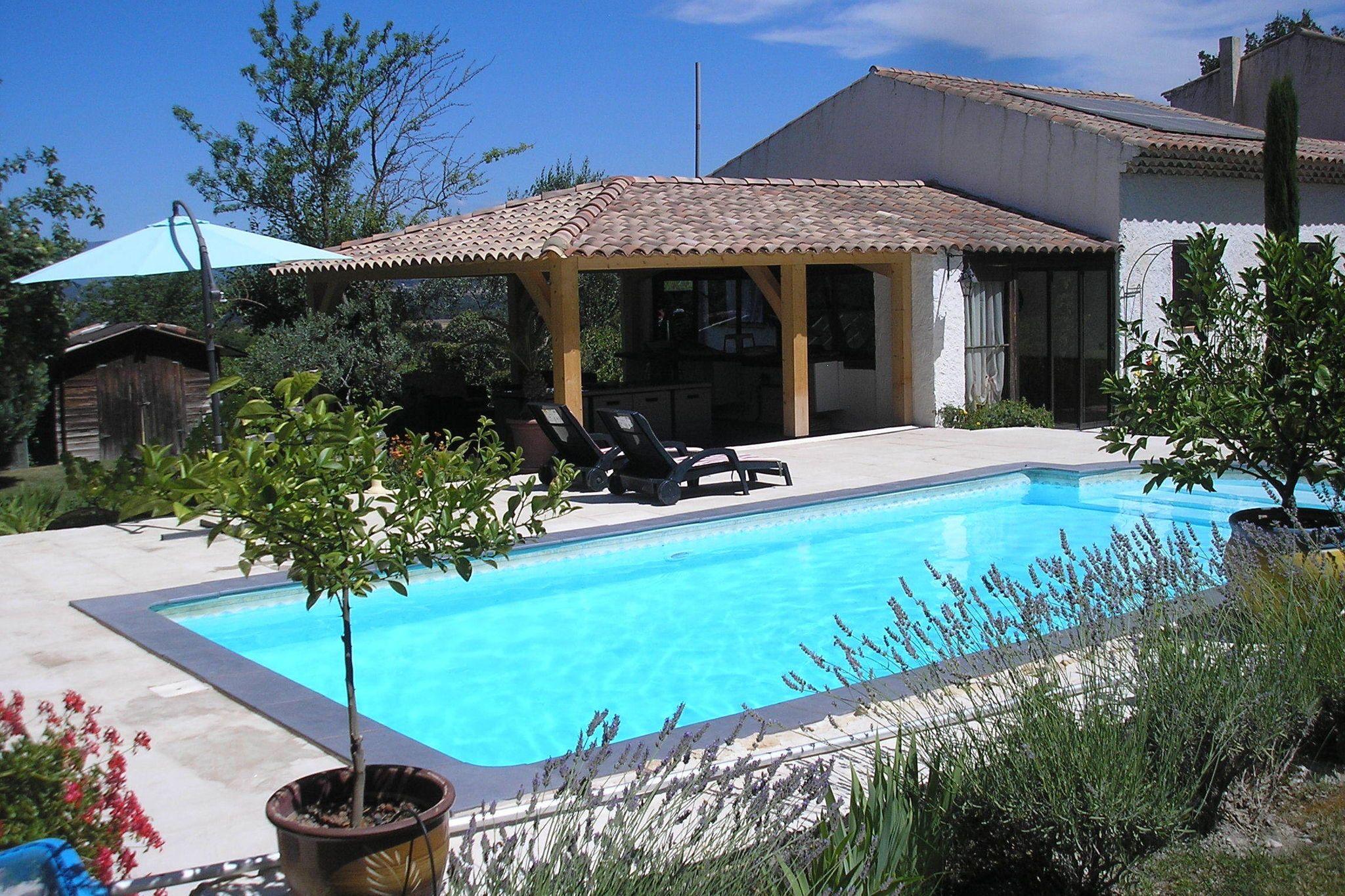Residencia para 6 huéspedes en Meyrargues