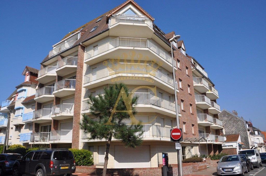 Piso con balcón de 40 m²