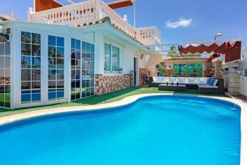 Casa en Palm-mar con piscina