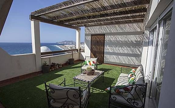 Holiday rental for 6 people with balcony