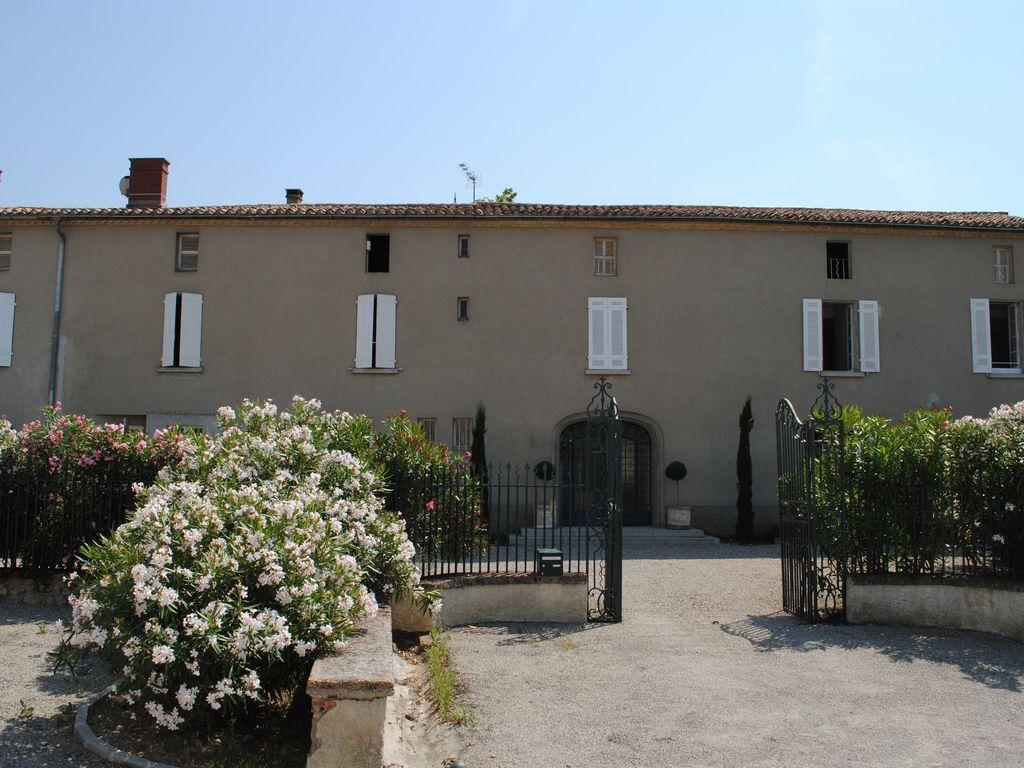 Residencia con vistas para 14 huéspedes