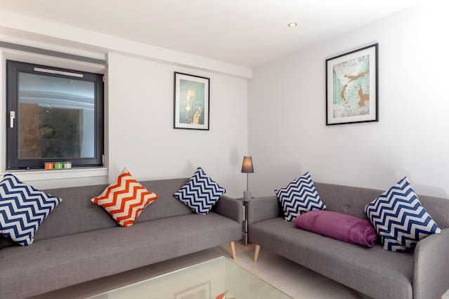 Entire Two Bedroom City Centre Flat