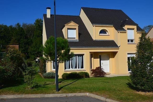 Casa de 141 m² en Esbly