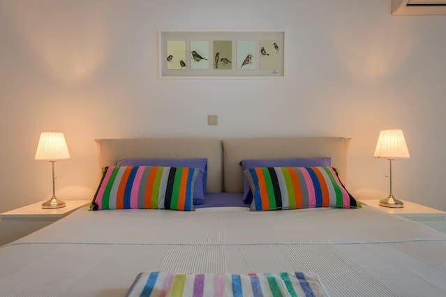 Apartamento de tres dormitorios en la ciudad de Rodas