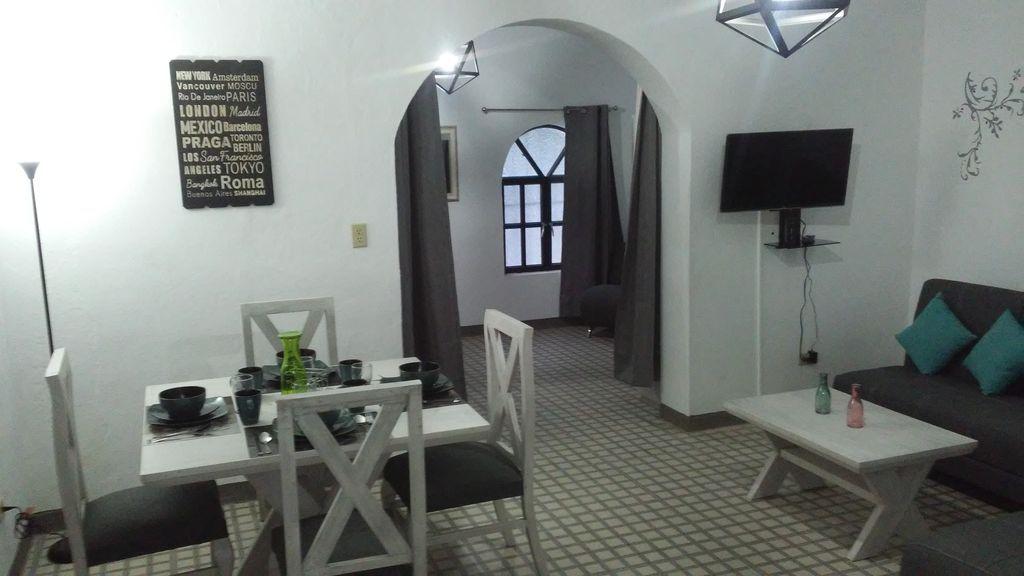 Provisto apartamento para 2 huéspedes