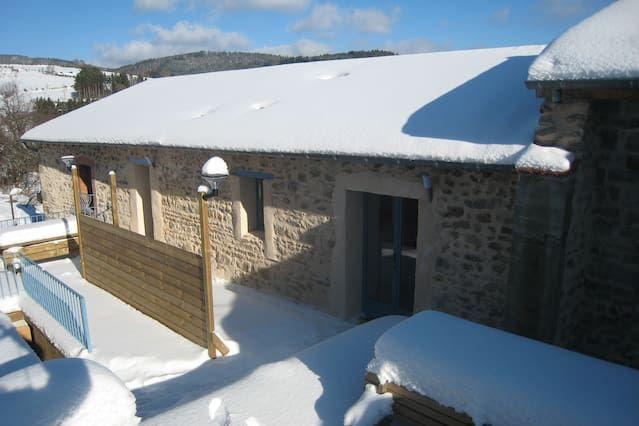 Tres casas de montaña para 17 personas y una sala de recepción