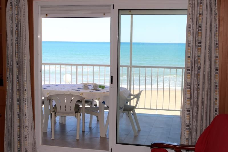 Apartamento primera linea playa bellreguard
