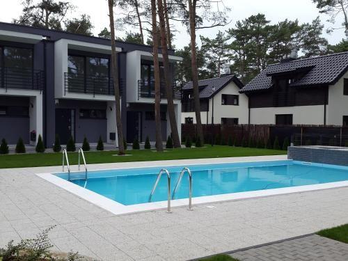 Casa en Pobierowo con jardín