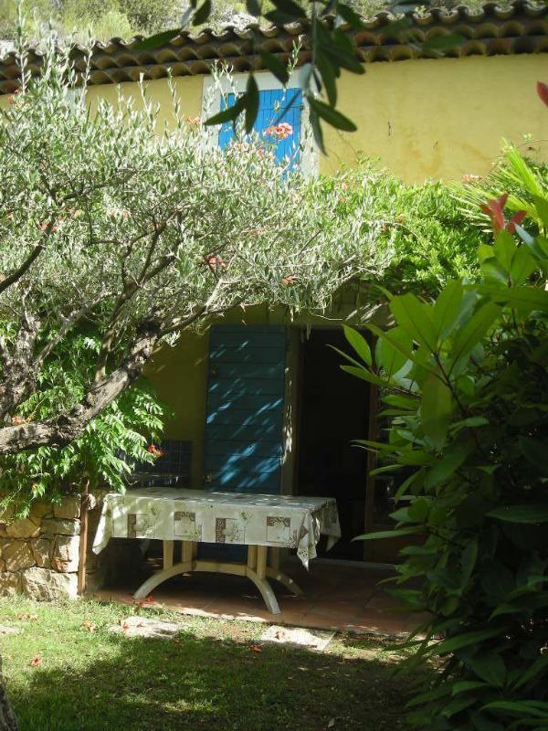 Piso con jardín para 5 huéspedes