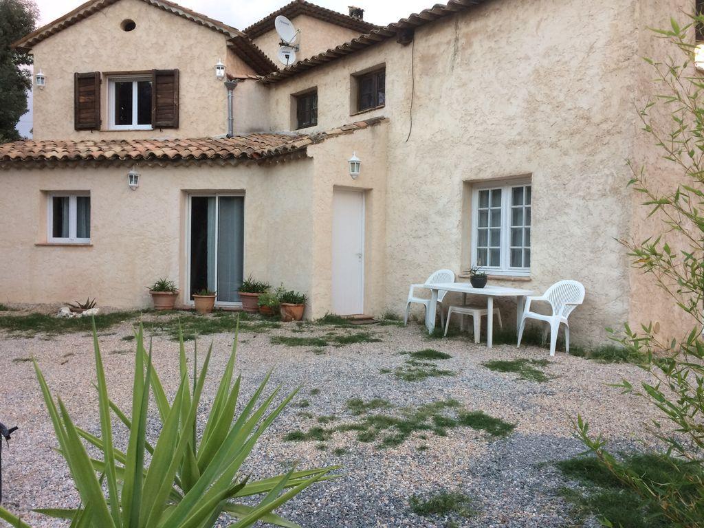 Piso de 2 habitaciones en La roquette-sur-siagne