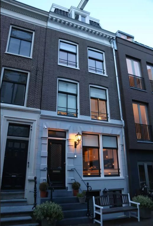 Picturesque tourist letting with Bed linen and towels and Heating in Amsterdam