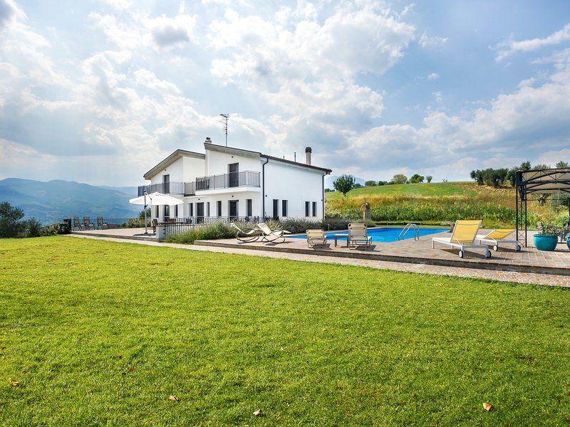Casa del Colle, luxury 5 bed villa in Italy
