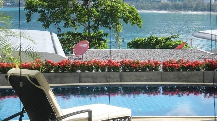 Alojamiento con piscina en Patong beach