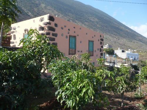 Residencia con balcón en Frontera