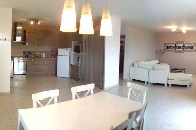 Casa estupenda de 2 habitaciones