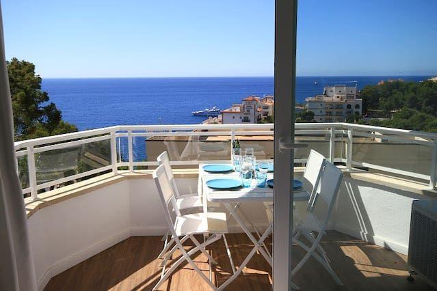 New loft apartment with communal pool near the beach