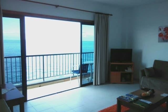Apartamento de 2 dormitorios con vista al mar