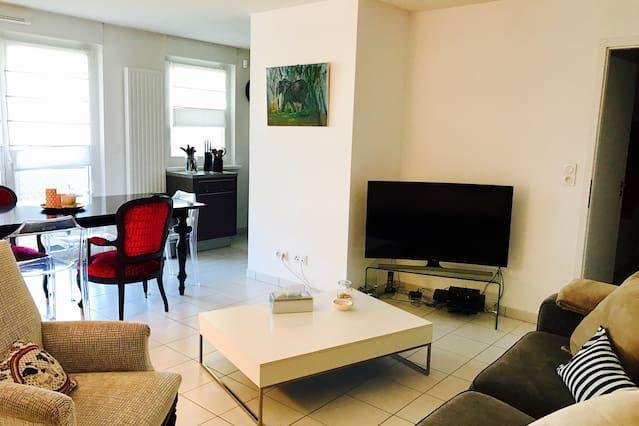 Apartamento moderno en tranquila